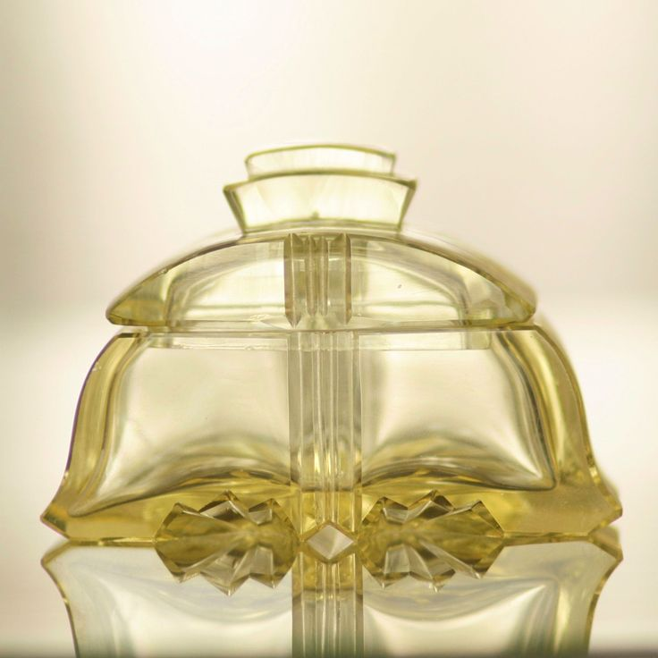 ART DECO VANITY GLASS SET - BOX 1920-1930s, Czechoslovakia, cut citrine glass TOALETNÍ SADA DÓZA Československo, broušené citrínové sklo