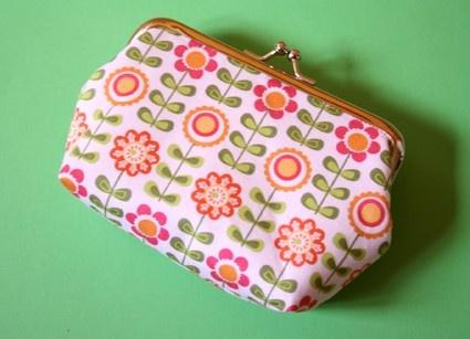 summer flowers  medium frame purse by onnaBandA on Etsy, €18.01