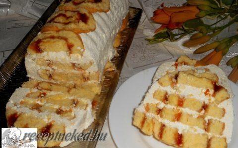 Rakott piskótatekercs vaníliás krémmel recept fotóval