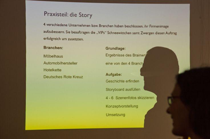 Die Praxisaufgabe wird erläutert. #Storytelling #7Pointstory #Workshop