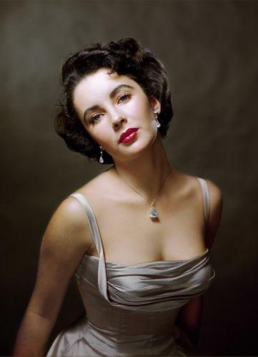 Elizabeth Taylor by Philippe Halsman