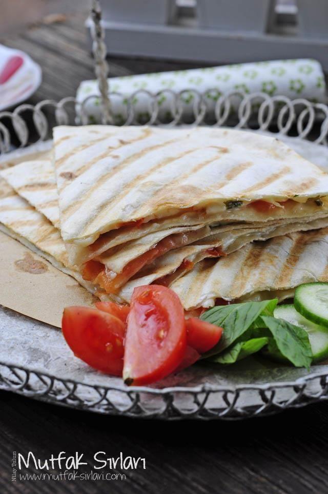 Lavaş Tost Tarifi | Mutfak Sırları