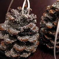 30 homemade Christmas ornaments... lots of good ideas! OOOHHH I can do acorns too!!!