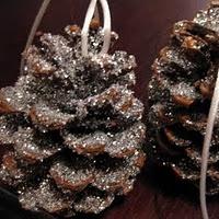30 homemade Christmas ornaments. Lots of good ideas!