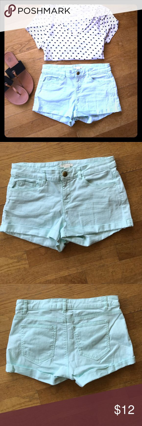 Mint shorts These shorts are super stylish and perfect for summer! ☀️🌸They are in great used condition. Polka dot shirt and sandals are also available (see other listings). H&M Shorts