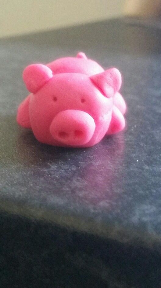 Pink Pig made out of icing