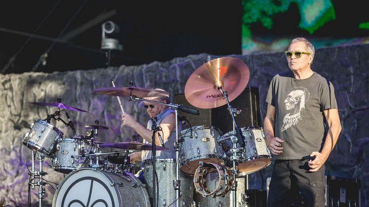 """Prawie 50 lat po założeniu grupa  Deep Purple występuje z """"Infinite"""", jej 20 albumem studyjnym TV arte przez sześć dni prezentuje online 61 Min. koncert zespołu na  Hellfest 2017 https://www.facebook.com/groups/Magdalenka/permalink/1629063400461173/   29. Juli um 22.55 Uhr Livestream: ja Online vom 29. Juli bis zum 5. August 2017"""