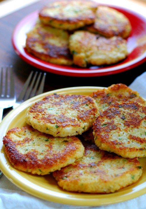 Low carb cauliflower patties. Delicious substitute for potato cakes. Yum.   joeshealthymeals.com