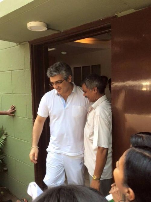 Thala Ajith With His Fans Photos in Public