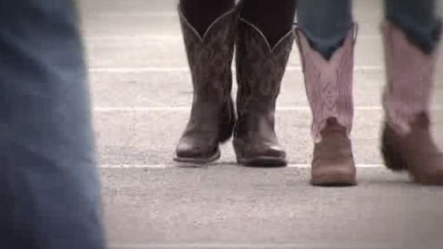 Women turn to plastic surgery to get perfect fit for rodeo boots