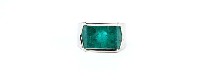 #Emerald #White Gold #Rings  Rings | Cesareo Jewellers