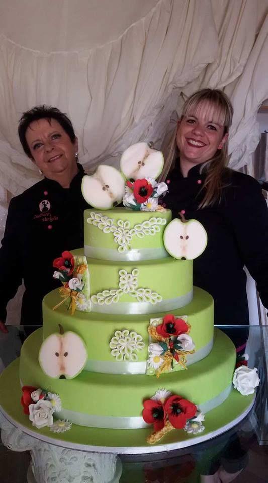 Wedding cake tema le due metà della mela