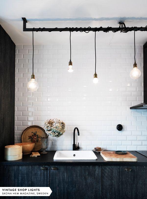 Skona Hem lighting: Hanging Lights, Lights Fixtures, Interiors, Subway Tile, Black Kitchens, Kitchens Lights, Bulbs, House, Lights Ideas