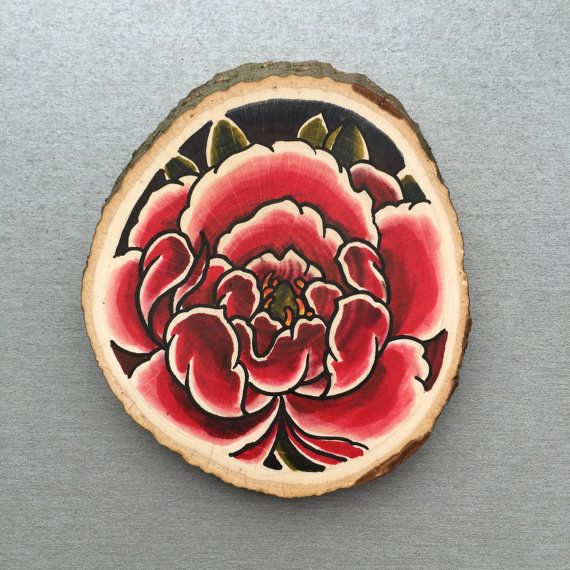 Wood slice with an original drawing / illustration of a peony.  Can be hung on a wall or put on a shelf as decoration.  Done with acrylic marker and copic markers.  The wood slice is about 9x1 cm.  Only one available.  If you want to buy multiple items please contact me so i can adjust shipping costs.