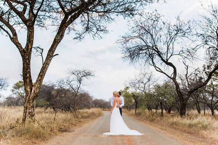 Photographer Daniel L Meyer captured country wedding in Limpopo