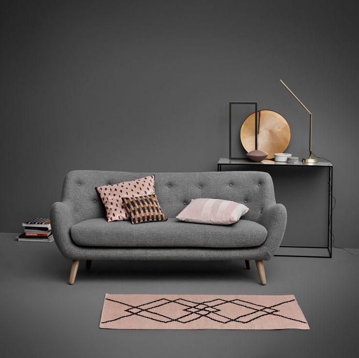 Herman in Szene gesetzt.  #sofacompany_de #danishdesign #furniture #scandinaviandesign #interiordesign #furnituredesign #nordicinspiration #retrostyle #pink #Sofa