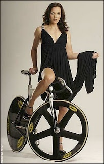 Victoria Pendleton <<< riding on the wild side. I cant even wear trackies without them getting caught up in the chain and being dumped on the ground
