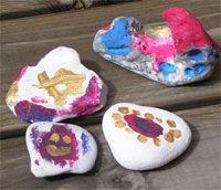 Loihdi taideteoksia kivistä