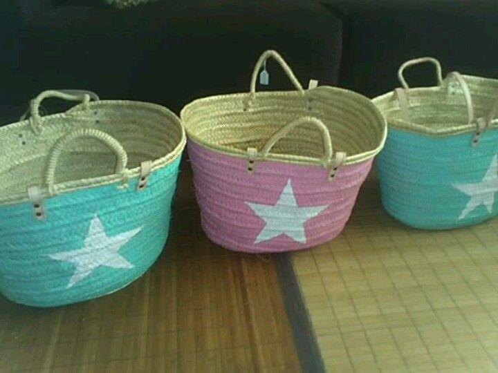 Capazos pintados a mano // Baskets