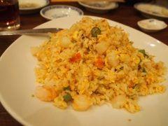 横浜中華街の同發別館でランチ このお店の料理はどれも上品な味付けで美味しいんですが一番美味しかったのがチャーハン 具材は海老ホタテいんげんレタスねぎ卵とシンプルだけど食感や味すべてのバランスが取れていて絶品でした( tags[神奈川県]
