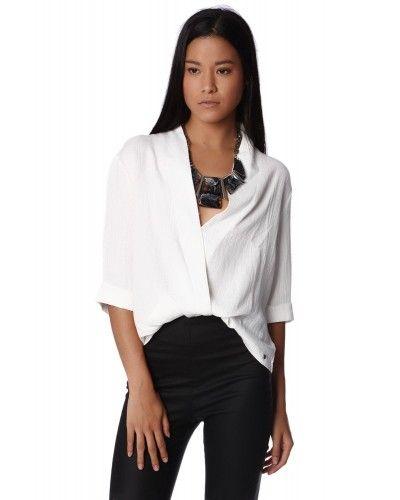 Nice 'n Wrap   *  Prachtige witte wrap blouse met diepe v hals in een zachte fijn te dragen linnen look kwaliteits stof!  Geweldig gecombineerd met een bijzondere ketting.  Draag de blouse of je gave zwarte broek,jeands of prachtige rok etc.  Eindeloze variaties mogelijk!