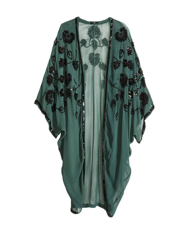 Los kimonos de H&M de este año nos tientan, Aunque éste es más caro, su diseño nos enamora. Cuesta 79,95 €.