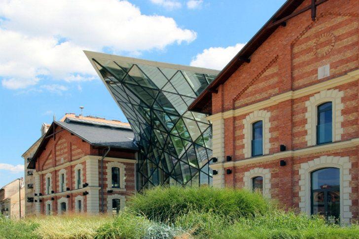 CET-Building-ONL-10.jpg 728×485 pixels