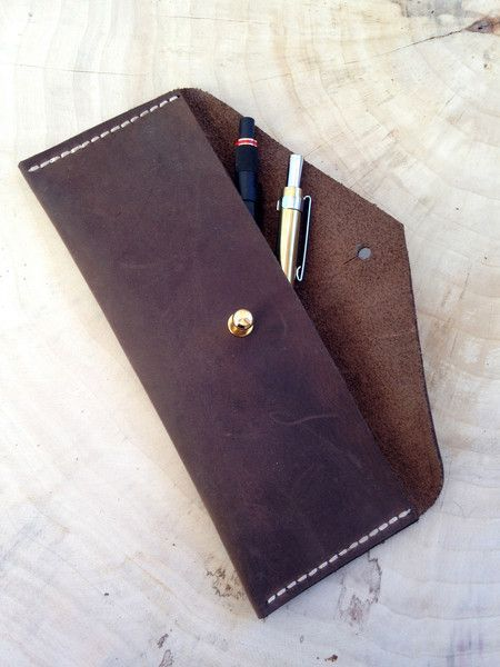 Federmäppchen aus Leder für Stifte, zartes Etui für Stifte als Geschenkidee / leather pencil case as gift idea for a best friend made by Chiquita-Jo via DaWanda.com