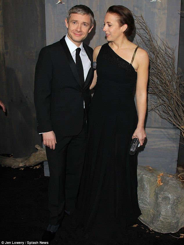 Martin Freeman and partner Amanda Abbington cosy up at the premiere of The Hobbit