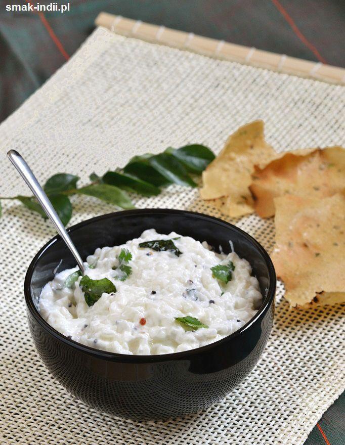 Curd Rice(w języku tamilskim Thayir Sadam) - to lekkie danie przyrządzane z ryżu i jogurtu jest bardzo popularne w południowych stanachIndii. W indyjskich domach ryż z jogurtem spożywa sięzazwyczaj na zakończenie popołudniowego lub wieczornego posiłku d