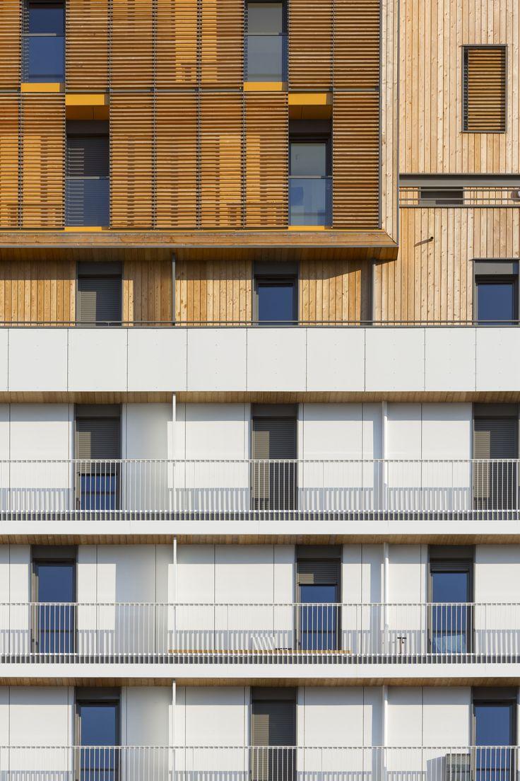 Galer 237 a de casa patio ar arquitetos 22 - Gallery Of Housing And Shops Complex Ameller Dubois Associ S 5