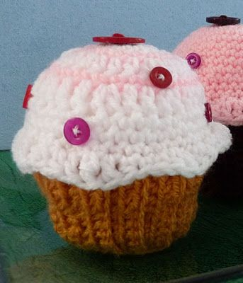 crocheted cupcakes - would make cute pin cushions or tea party food