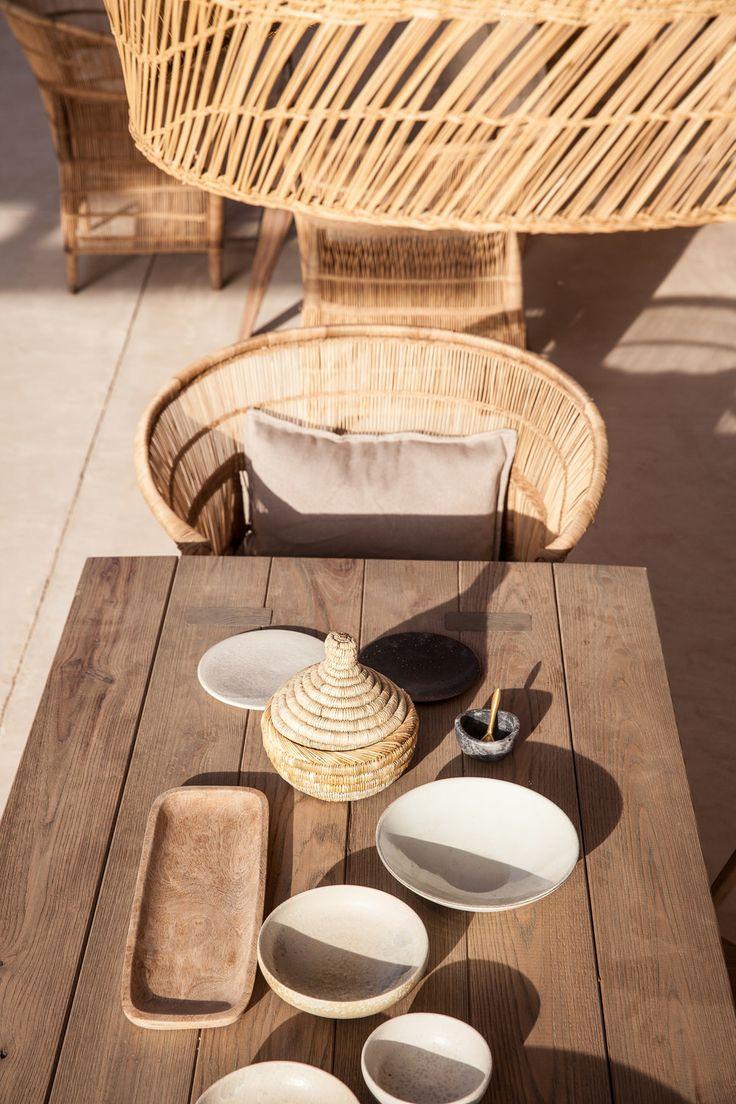 scorpios_mykonos_restaurant_table_detail