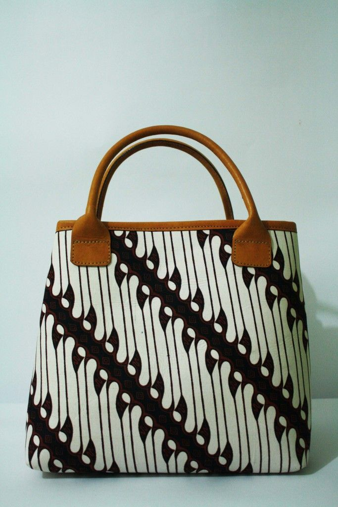Arimbi Parang Leather Top Handle Bag