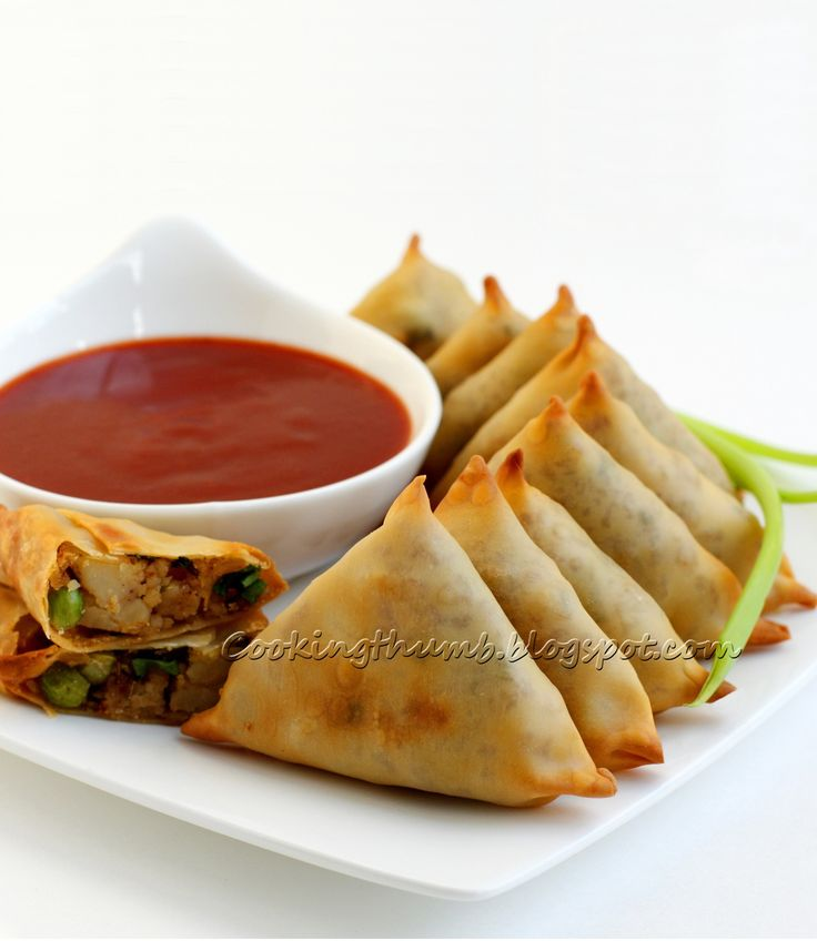 BAKED SAMOSAS - quick, easy-to-make savory pastries with spiced potatoes & green peas stuffing.