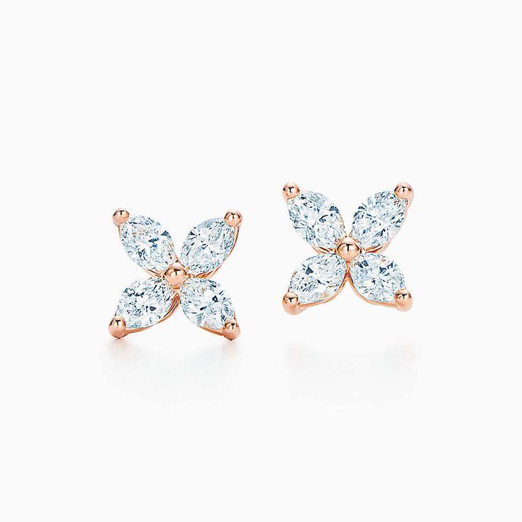 Aretes Tiffany Victoria™ en oro rosa de 18k con diamantes, pequeños.