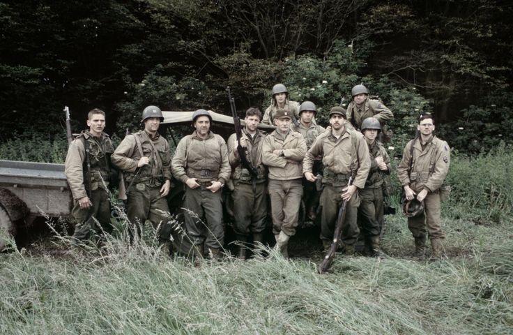 Tom Hanks, Giovanni Ribisi, Jeremy Davies, Barry Pepper, Tom Sizemore, Vin Diesel, Adam Goldberg, Edward Burns, and Dale Dye in Saving Private Ryan (1998)