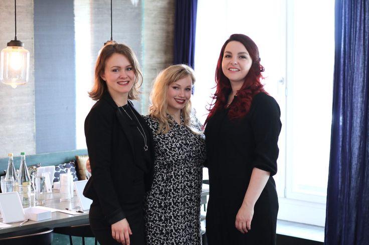 Wir durften für einen B2B Auftrag eine mobile Beautylounge aufbauen und die Teilnehmerinnen zum Thema Make-up coachen.