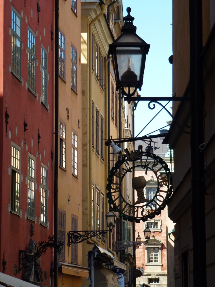 Straits in Gamla Stan