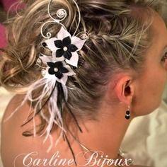 Léonie - bijou de cheveux noir et blanc mariée fleurs soie plumes