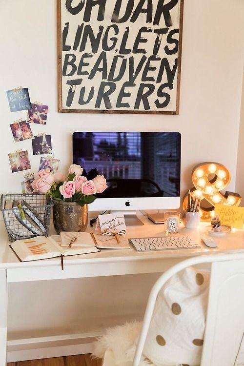 collegegirlwithpearls:  ampersands // pretty desks