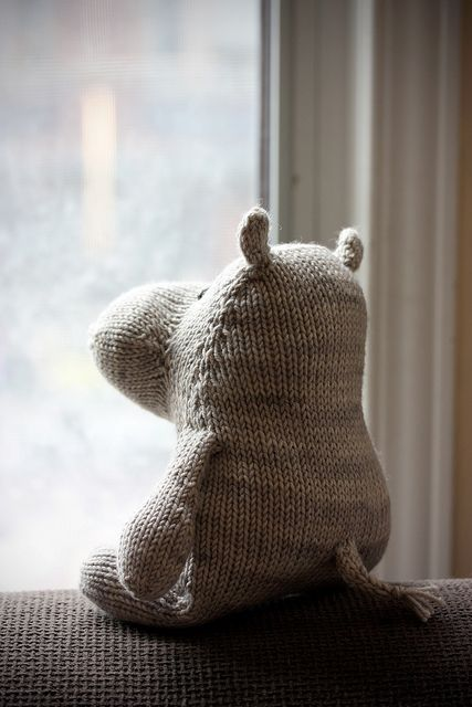 #23 Harriet the Haberdashery Hippo by Rebecca Danger. Ravelry.