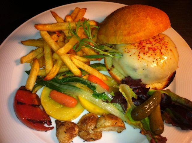 Basque Burger de Chez Boet: Wagyu Kobe, Petit Basque, piment d'Espelette