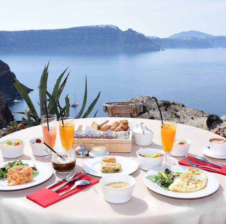 The perfect wake up call. #breakfastgoals