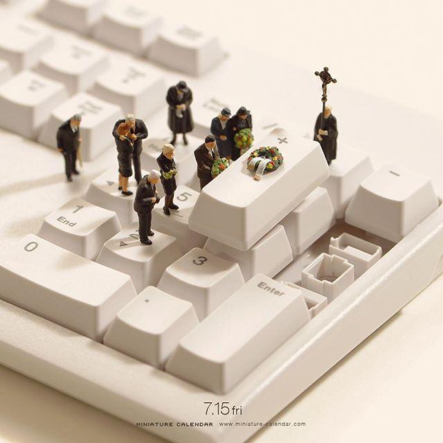 ". 7.15 fri ""Coffin"" . 死んでもプラス思考。 . . #棺 #キーボード #Coffin #Keyboard ."