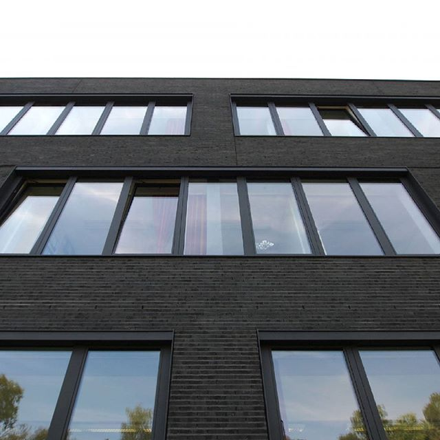 "KWZ, Göttingen, DE - Sortierung ""Java"". #brick #clinker #klinker #facade #archilovers #architecture #brickarchitecture #architektur #archilovers #iarchitectures #hagemeister #hagemeisterklinker #architecturephotography #loversofarchitecture #cityphotography #modernarchitecture #instaphoto #lomo #picoftheday #photooftheday #greathitecture #archidope #architectureporn #architectureproject #architectureilike #brickdesign #architecturephoto #architecturelovers #germanarchitecture…"