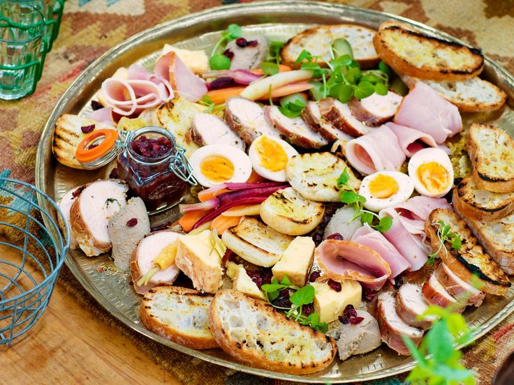 This Christmas ploughman's platter is essentially a cold selection of cheese, pickles, ham, boiled egg and crusty bread. Prep in advance for easy Christmas Day snacking! It's also great for Boxing Day