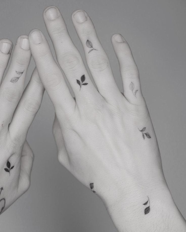 50 Tiny Tattoos That Will Instantly Make You More Interesting   – Tats
