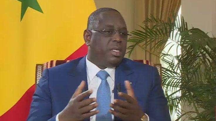 """Macky Sall : """"La médiation de la Cédéao permettra à M. Jammeh d'entendre..."""