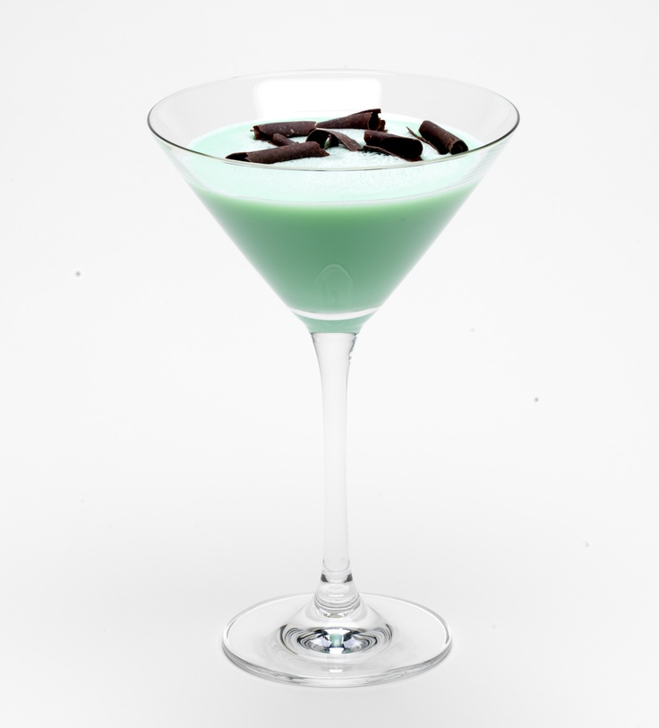 Check out mint chocochata martini it 39 s so easy to make for Easy vodka martini recipes
